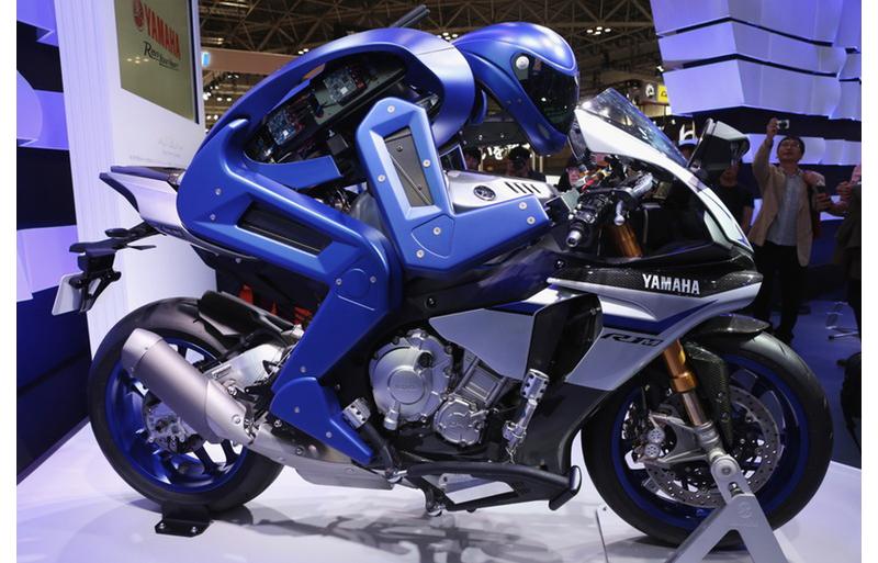yamaha-motobot-motorcycle-riding-robot-4